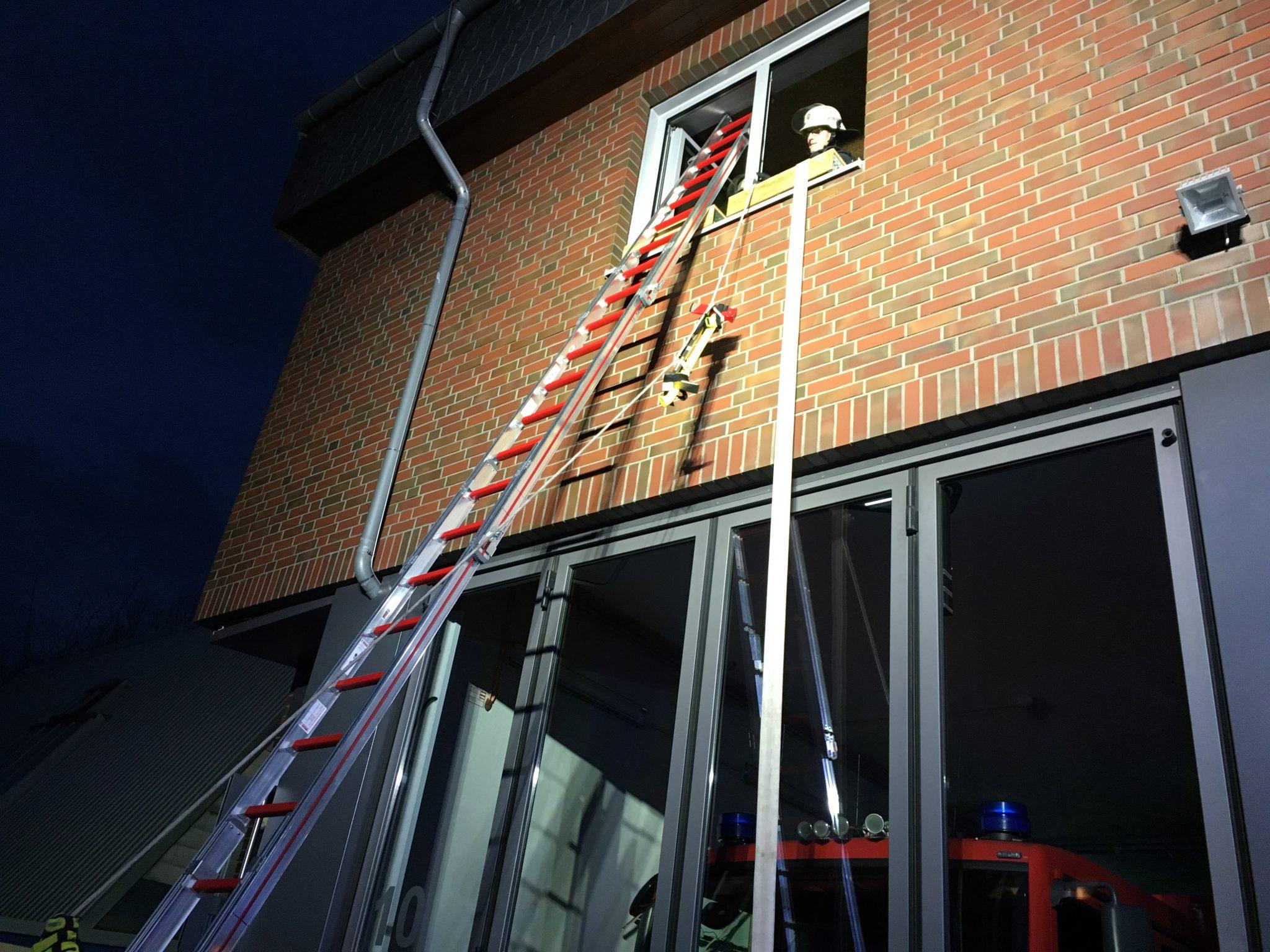 Steckleiter An Gebäude